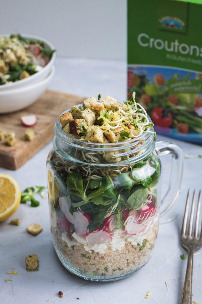 Salat mit Zitronencouscous und Croutons (8 von 14)