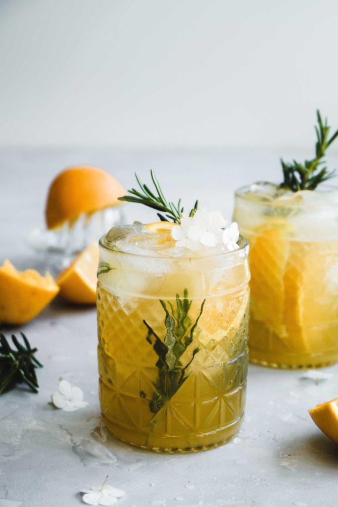 Orangen-Rosmarin-Eistee