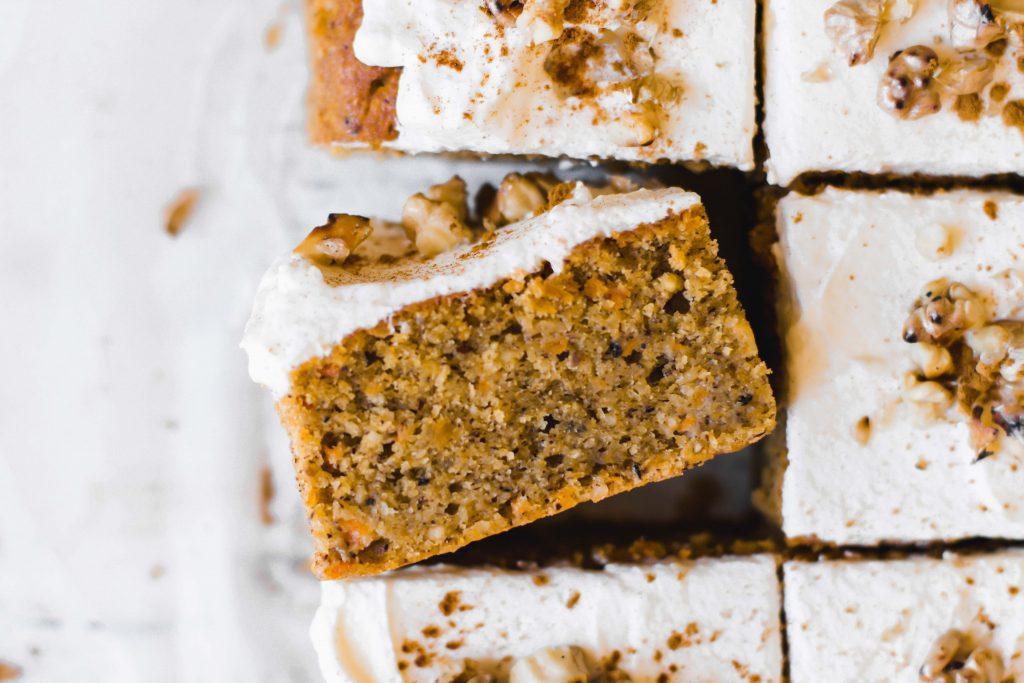 moist pumpkin cake with cinnamon frosting