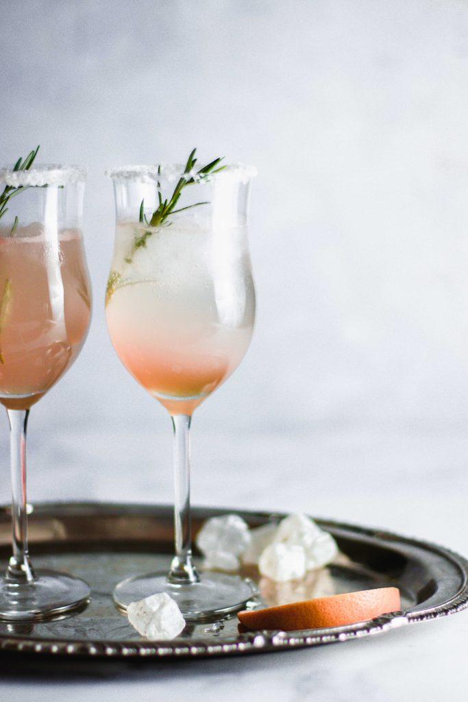 Grapefruit-Rosmarin-Cocktail
