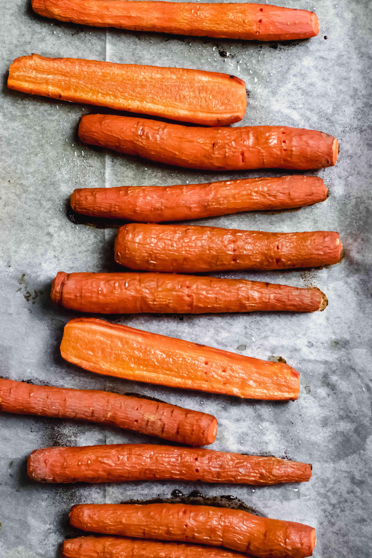 Gerösteter Karotten-Hummus