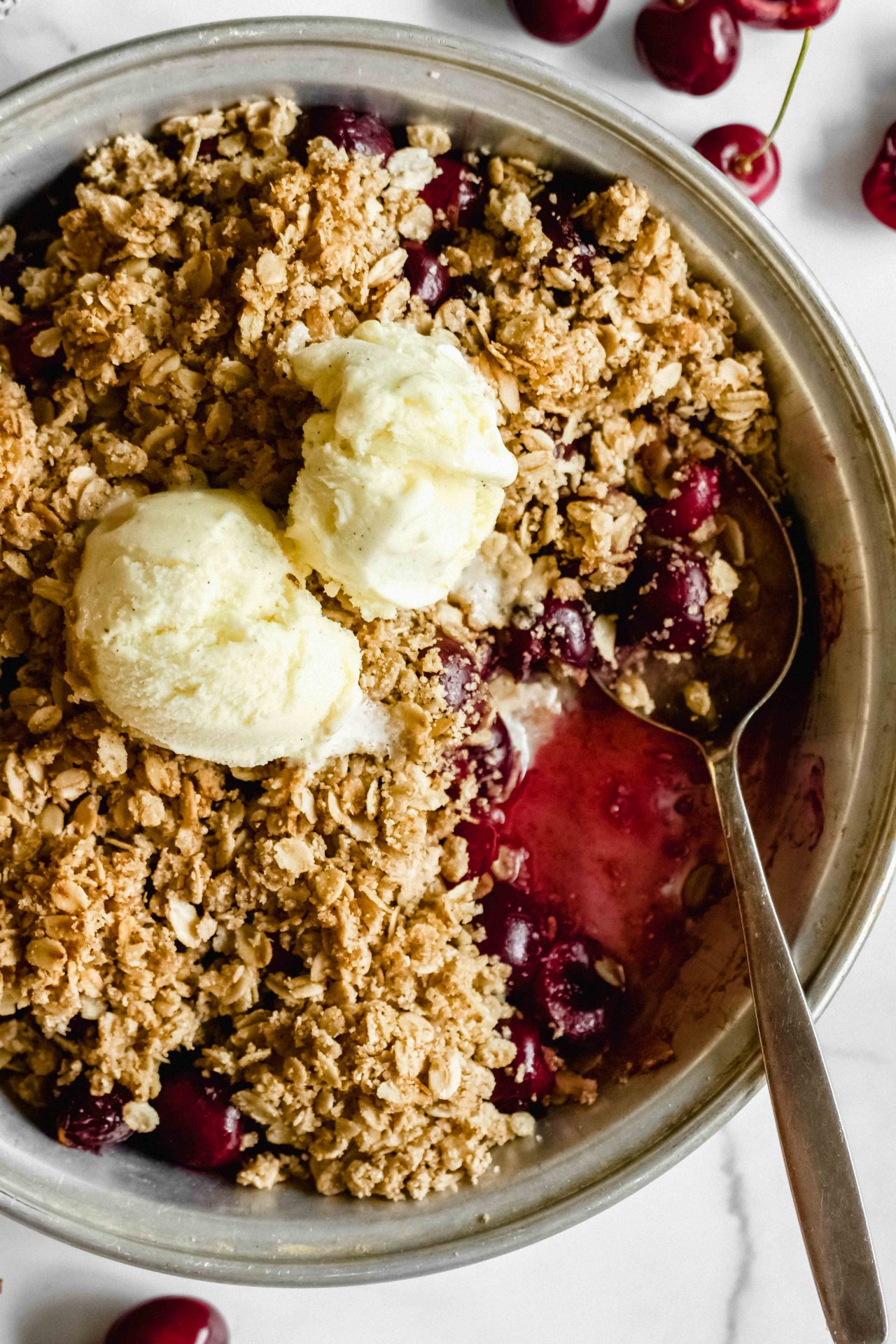Cherry Vanilla Crumble