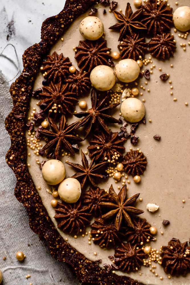 Chai-Tarte mit Kakaokruste