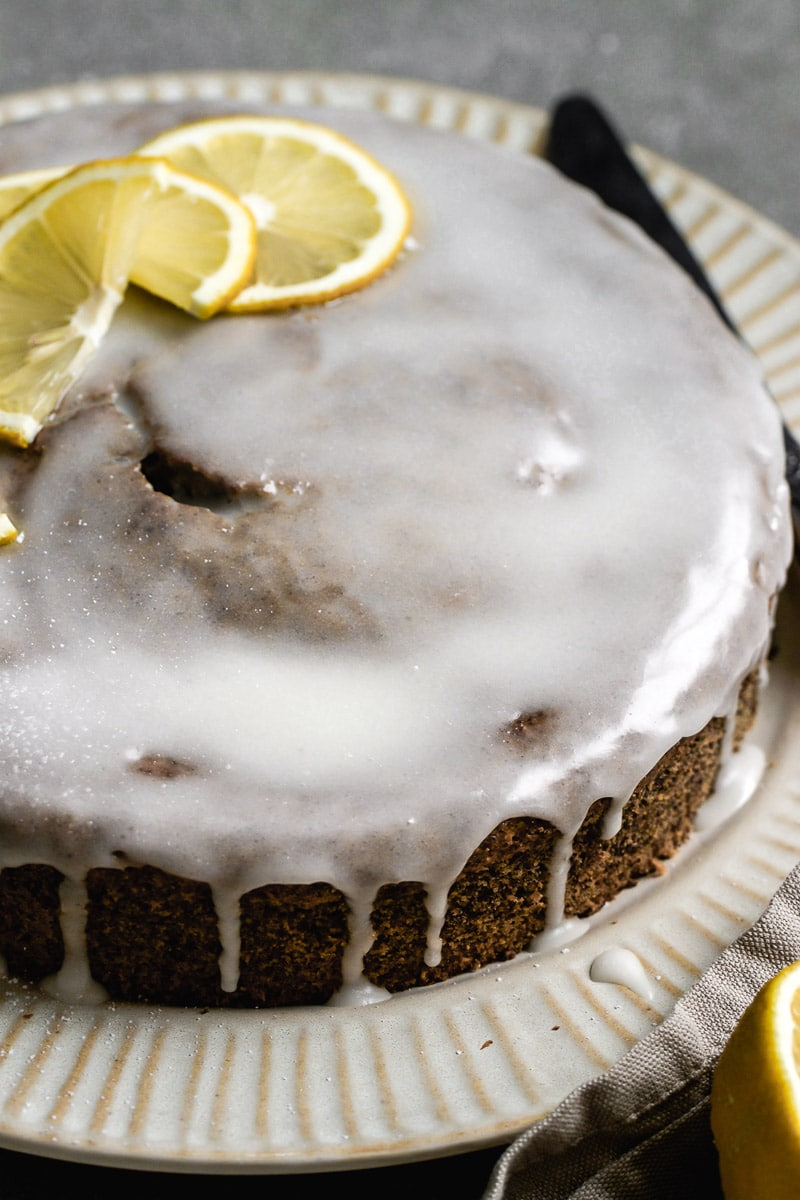 no fuss poppy seed sour cream cake