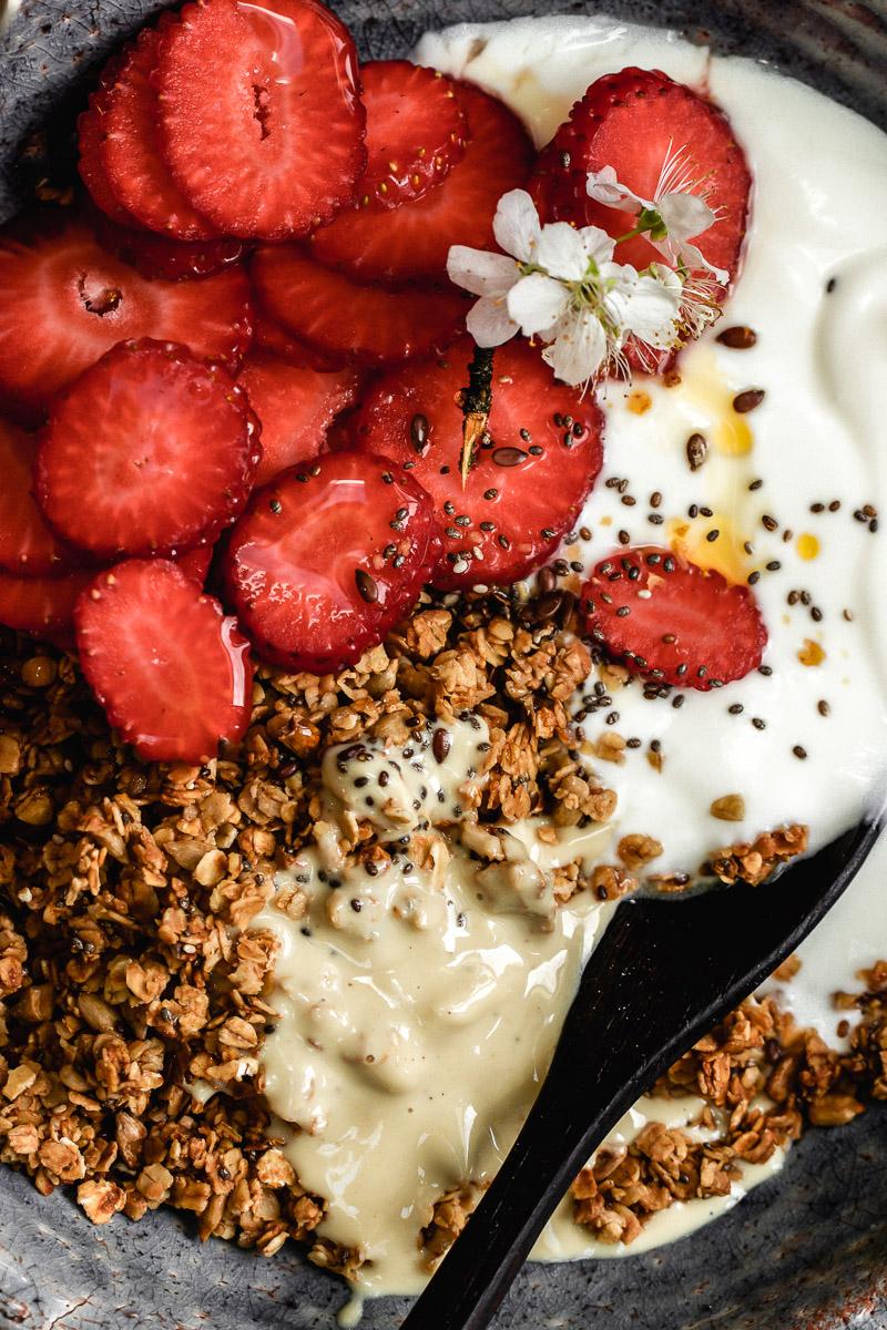 vanilla seed granola